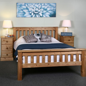 Solid Pine Bed